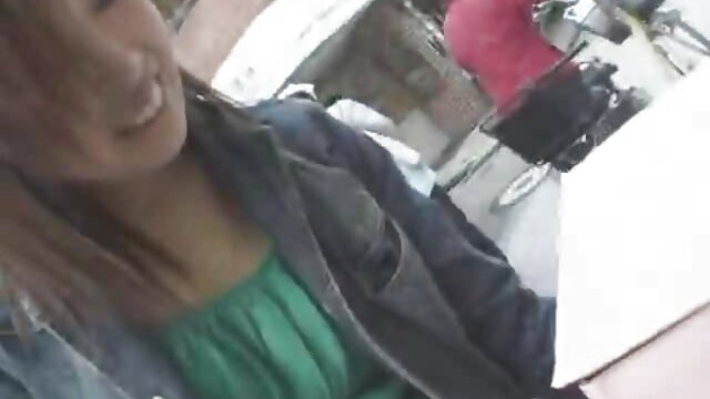 キャストでは、男に奉仕する売春婦のグループ 女性 用 の エロ 動画