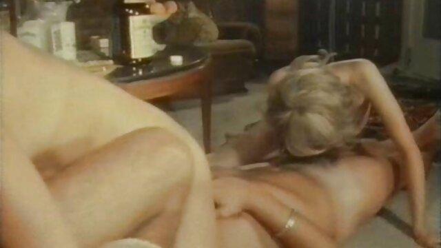 若い男は川で休んで、セックスをしています 女性 が 見る エロ 動画 無料