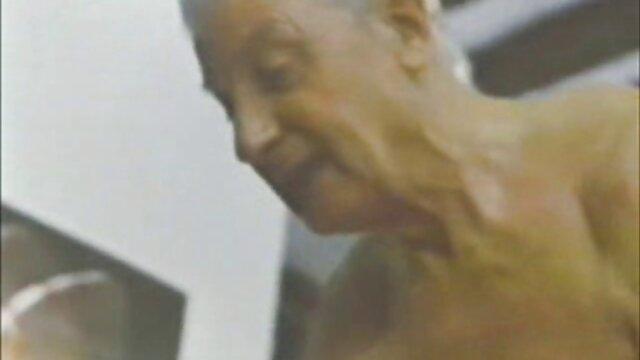 ストッキングの図書館によって耕され、指で呪われたエレガントな中国の男 fc2 アダルト 女性 向け