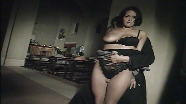 リッピングパンツと摩擦売春婦浴室 アダルト 女性 動画
