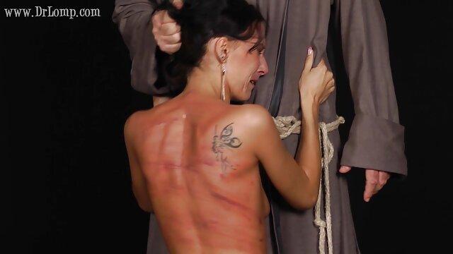 壊れた穴の手によって エロ 動画 無料 女性