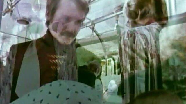 人形の赤ん坊の愛の残虐行為と最も難しい 女の子 av 動画