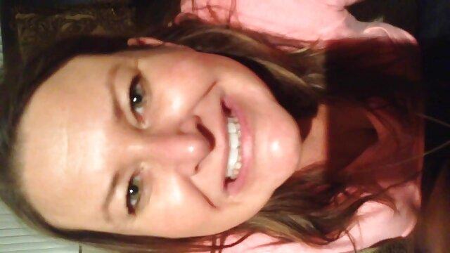 彼女のお尻は彼女の恋人と冷たいです。 女性 の ため の 無料 エロ 動画